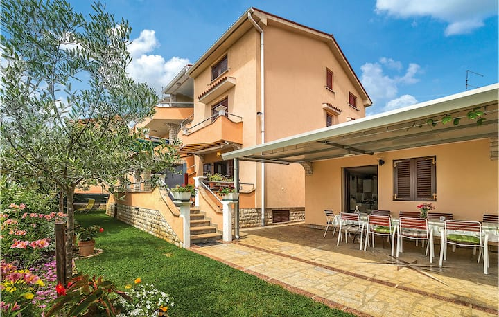 Beautiful apartment in Fazana with WiFi and 2 Bedrooms