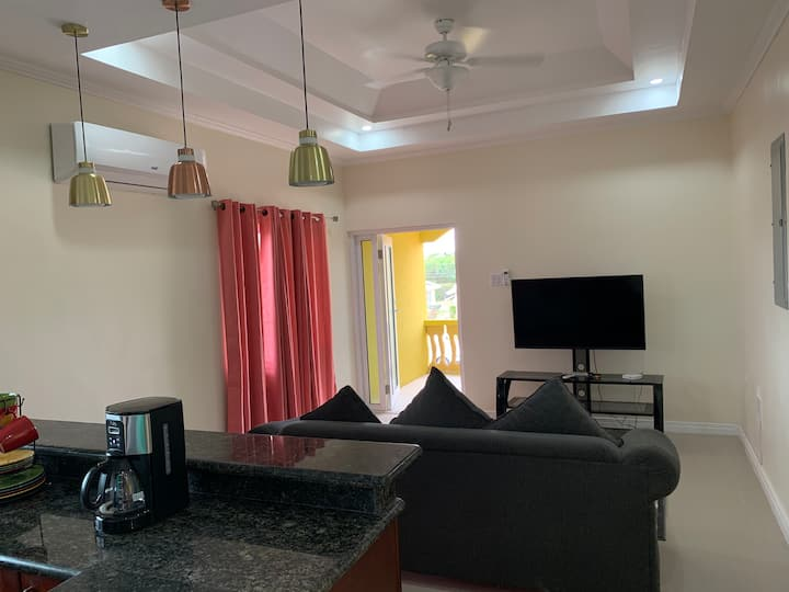 Luxurious 1 bedroom in Portmore, Country Club 1