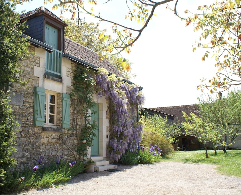 The Barn from the entrance drive, it is set in a large orchard garden, plenty of parking.