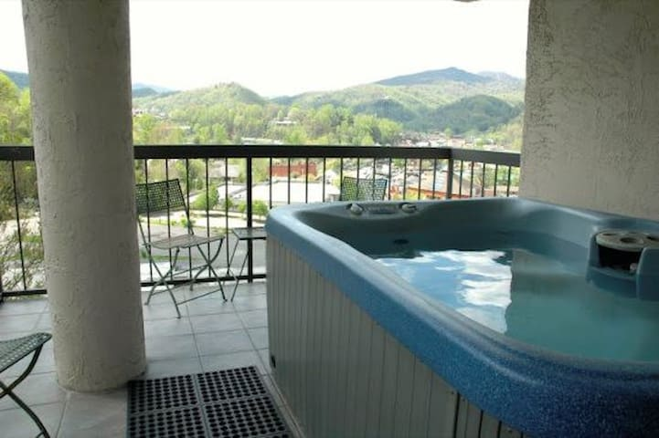 2401-Gatlinburg-Chateau-2-Bedroom-401