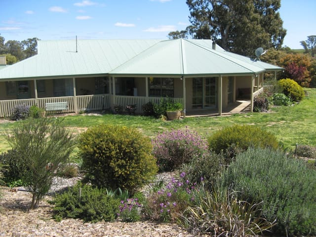 Stunning farmstay in Harcourt Hills - Bendigo - Apartment