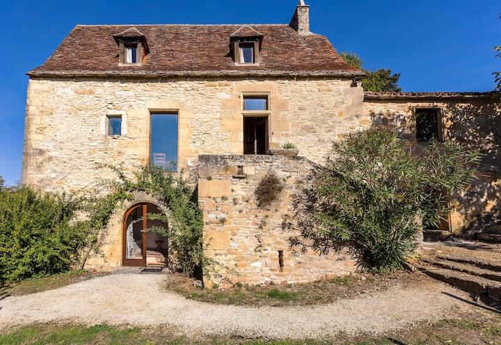 Confort, charme & piscine privée à Beynac Périgord
