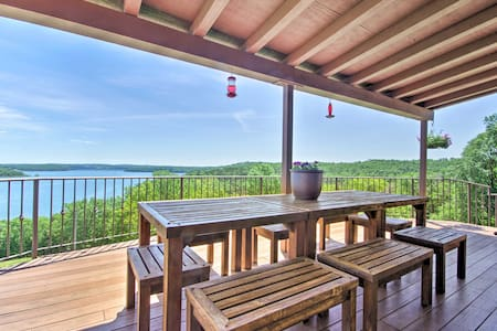 Lake Norfork Home w/Waterview Patio + Balcony