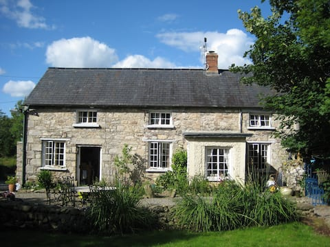 Unique Old Stone House, rural Wexford. SuperHost.