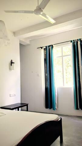 Holiday Inn Unawatuna Rooms2 up8 - Unawatuna