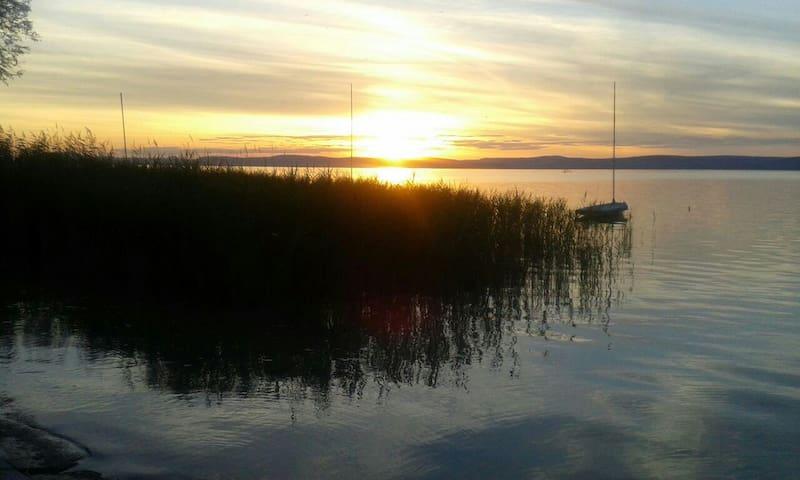 Nähe des ungarischen Meeres fühlen. - Balatonszárszó - Rumah
