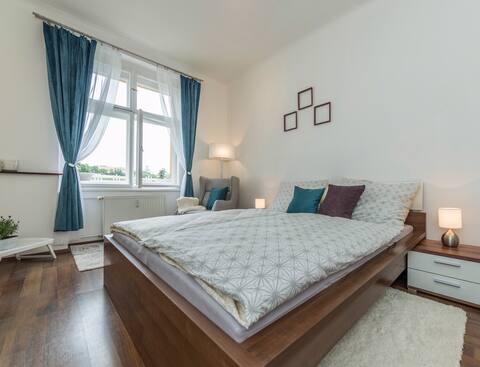 Stylový apartmán s parkingem /15 min Centrum/