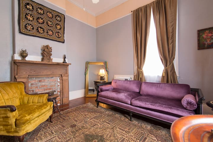 Bohemian Apartment in the Marigyny
