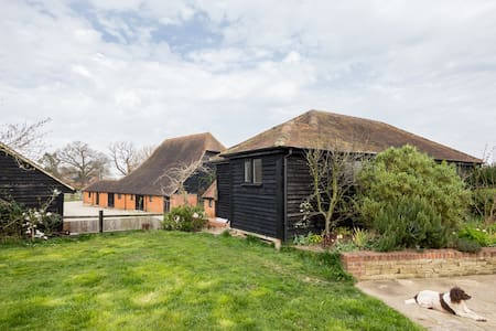 Keeper's Lodge, Ockham, Surrey - Appartement