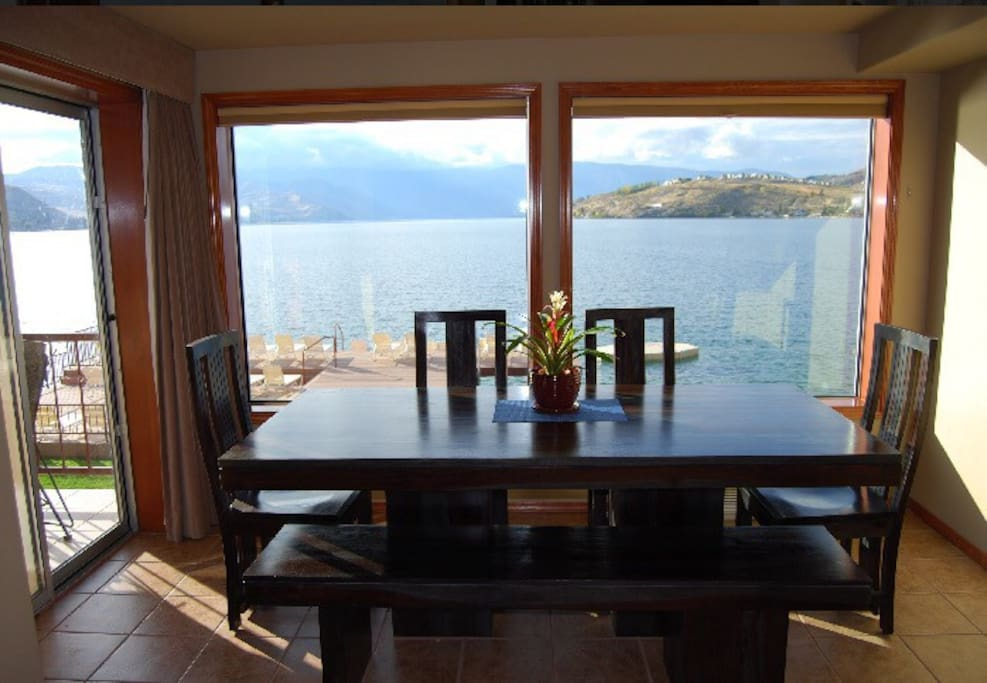 Six person dining area with gorgeous lake views