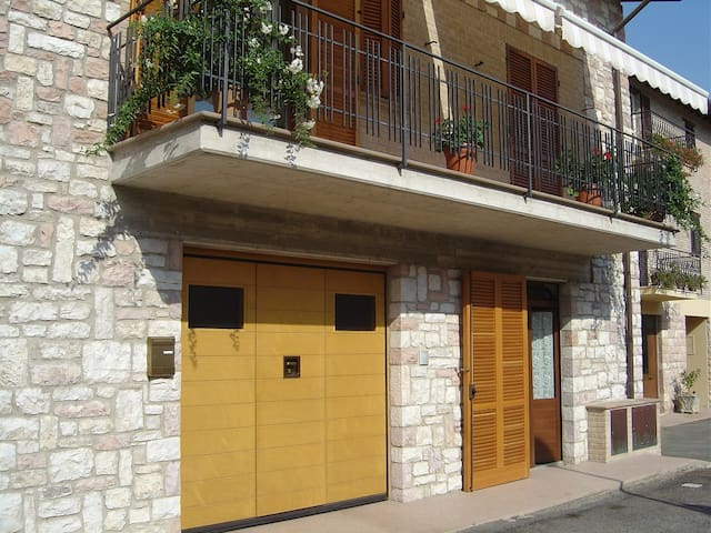 B&B ad Assisi- 500 mt dal centro - Asís - Bed & Breakfast