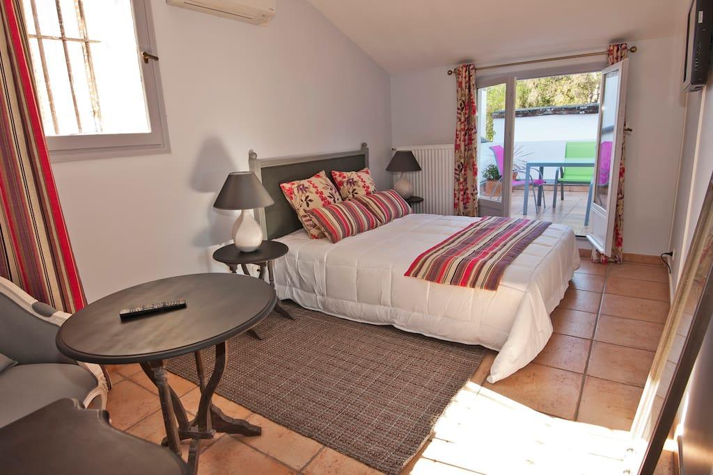 t3 duplex 72m2 piscine fitness tennis maisons de ville louer toulouse midi pyr n es france. Black Bedroom Furniture Sets. Home Design Ideas