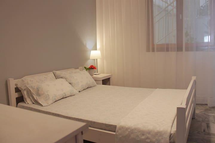 Διαμέρισμα με θέα στη θάλασσα - Nea Vrasna - Flat