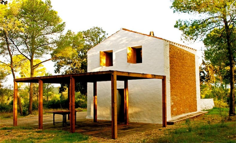 Terrific Couples Getaway in Minorca - Es Mercadal - Blockhütte
