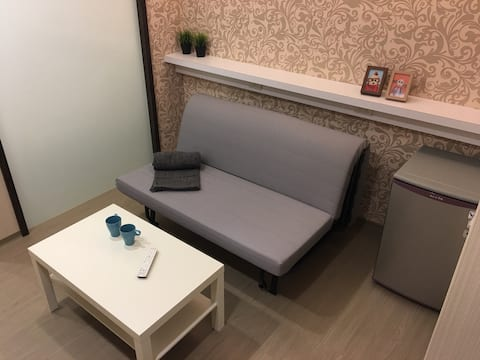 Near ZhongxiaoFuxing MRT, One bedroom suite!