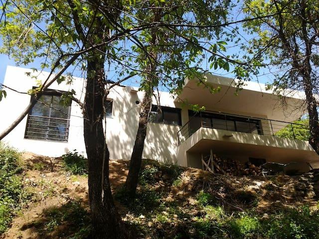 Maison au cœur des montagnes - Muro - Haus