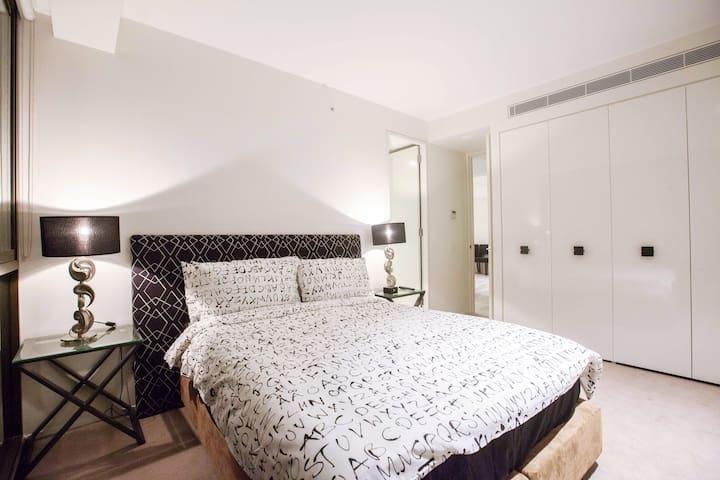 Cosy 2 bedroom 2 bathroom in Sydney CBD - Haymarket - Apartamento
