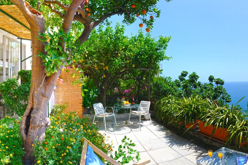 La tua casa al mare apartments for rent in positano for Costruisci la tua casa virtuale