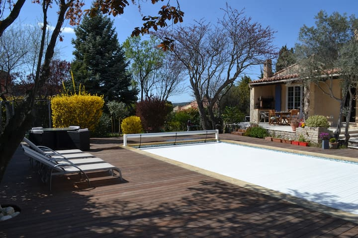 Superbe villa avec pisc près d'Aix - Velaux - Villa