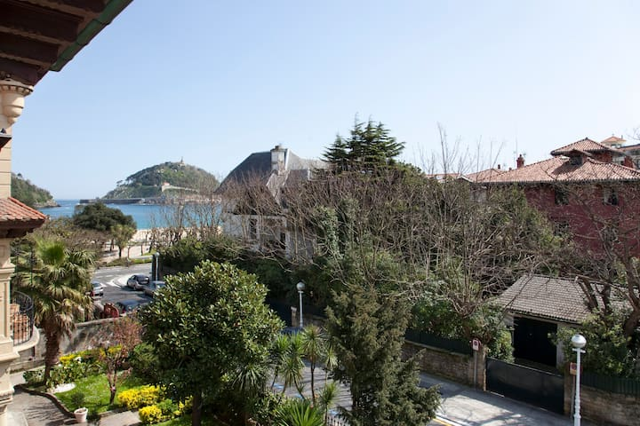 Single Room Ondarreta Beach. - Donostia - Villa