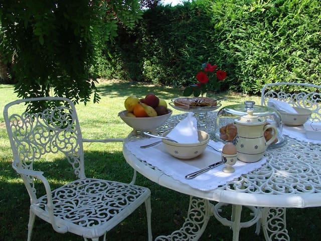 B&B immerso nel verde. - Sulmona - Bed & Breakfast