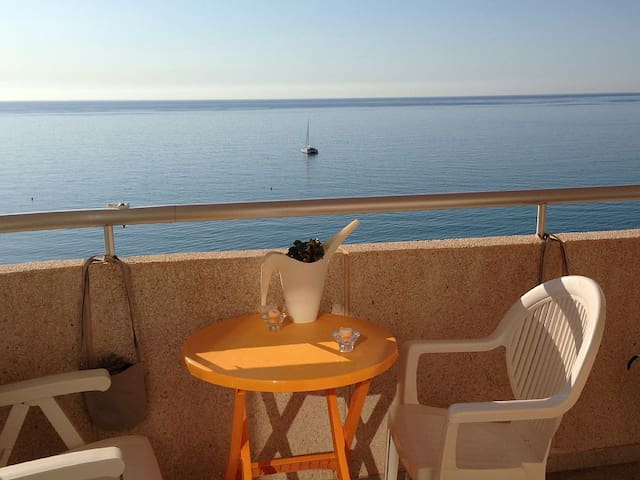 FRONT ROW TO SAN JUAN BEACH - El Campello - Apartamento