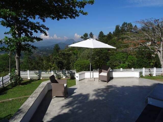 Amandari Holiday Villa - Kandy