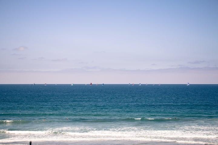Oceanfront one bedroom in Pacific Beach!