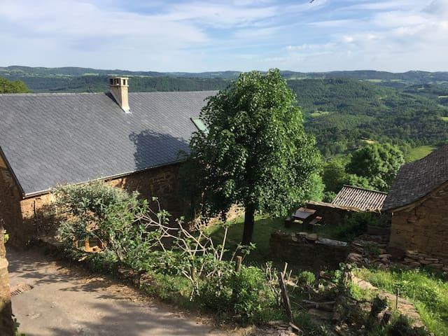 Le Bez, Saint Geniez d'Olt, Aveyron, Lot, Aubrac