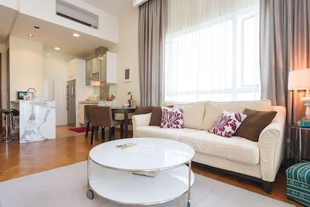 Spacious & Airy Luxury Home @ Straits Quay - Tanjung Tokong - アパート