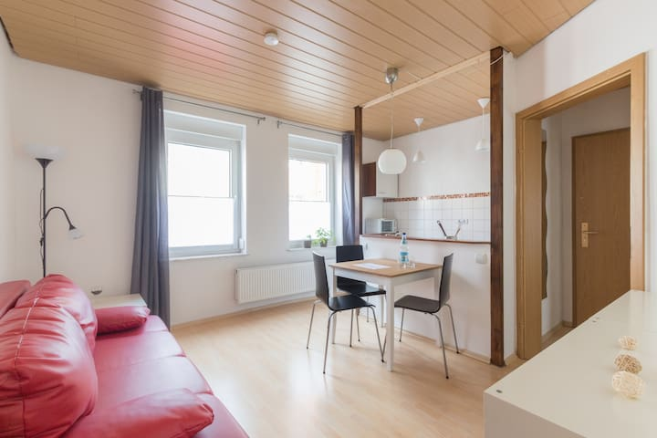 colourful little flat for two - Jena - Daire