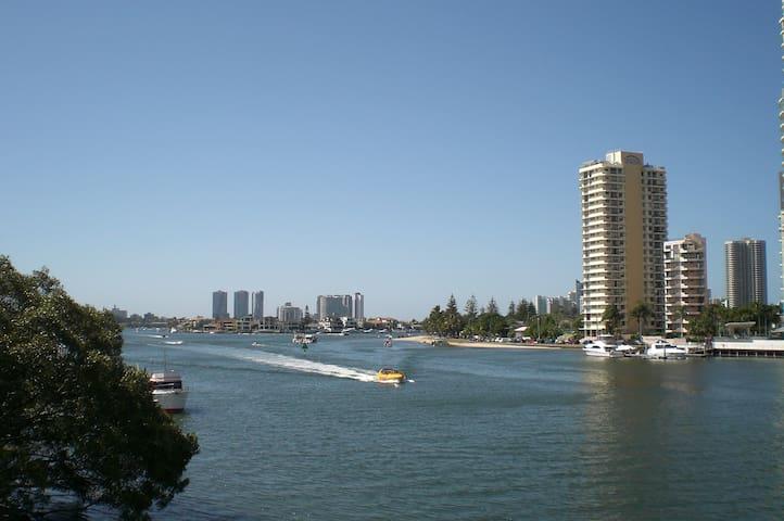 Amazing views- Surfers Paradise - Gold Coast - Lägenhet
