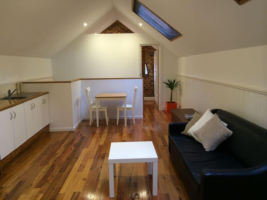 Kitchenette/Living area