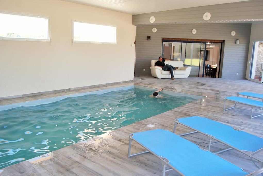 Ty vran piscine couverte 100 m mer maisons louer for Tarif piscine couverte