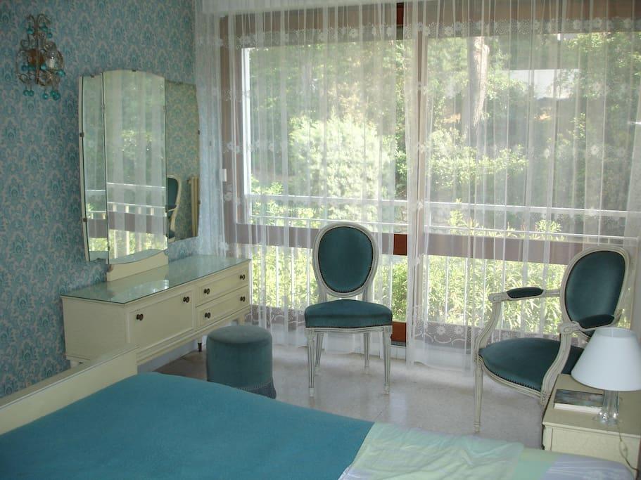 La chambre principale / Master bedroom