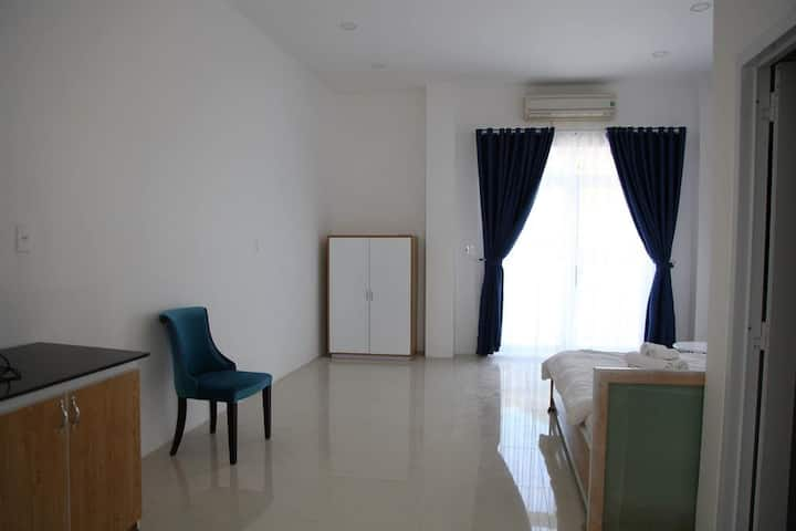 H2 apartment 402