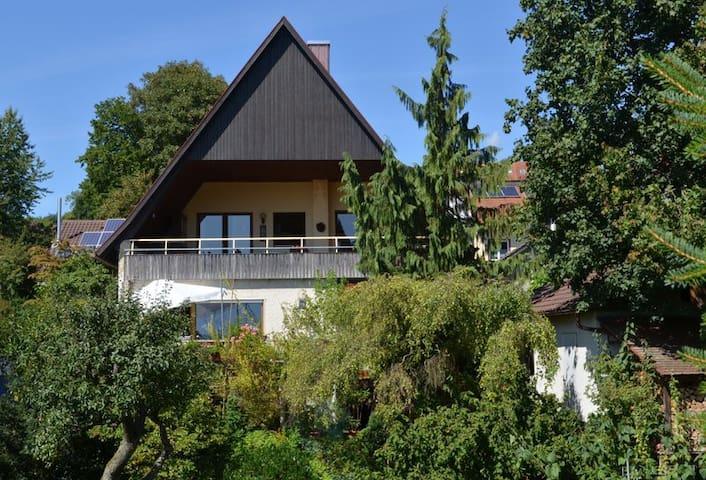 Ferienwohnung Bühner, (Lahr), Nichtraucher-Ferienwohnung 65 bzw. 75 qm, 2 Schlafräume, 1 Wohnzimmer, max. 4 Personen