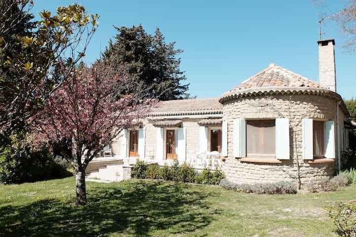 Provençal Cottage with Pool - Taulignan - House