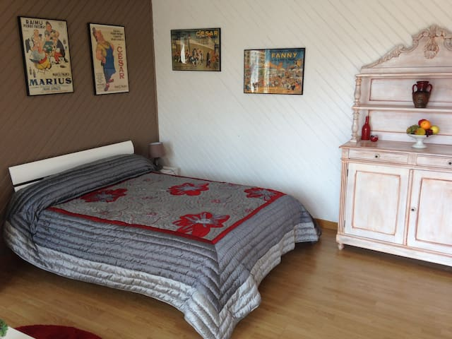Studio au coeur d'un village calme - Saint-Bauzile - Bed & Breakfast
