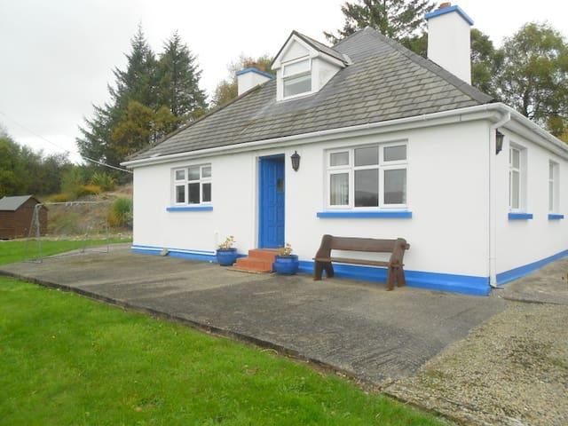 4 Beds - 2 Bath Approved Cottage - Sneem - Cottage