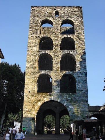 Camera Como centro
