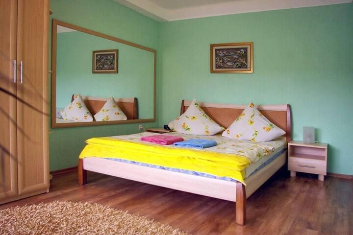 2 Room semi-luxury Apt on Sobornyi 144