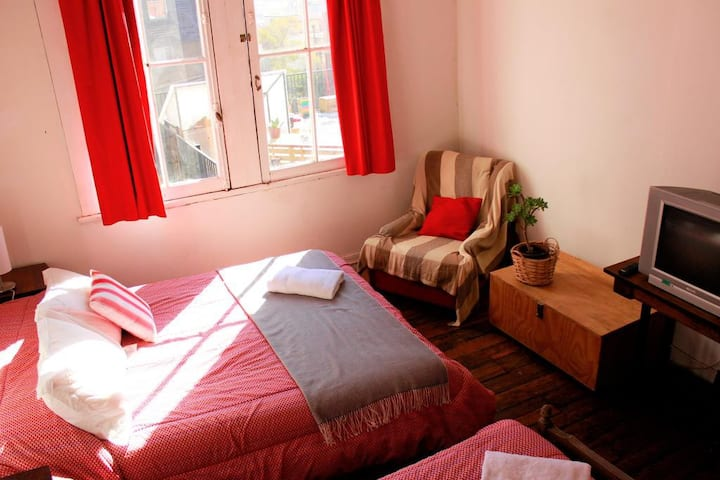 Excellent 3 Beds mixed Dorm in Cerro Concepción
