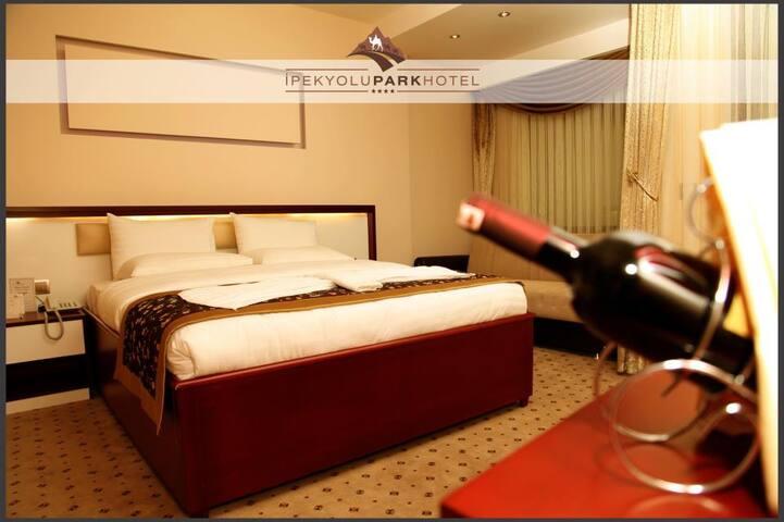 4 yıldızlı olan İpekyolu Park Hotel - Maçka - Andre