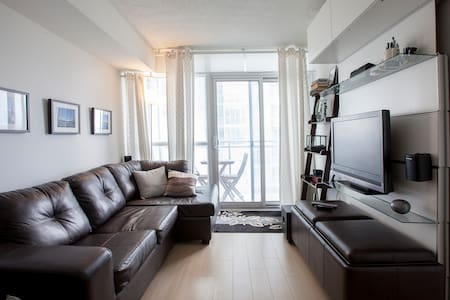 Fully Furnished Downtown Condo - Toronto - Apartment