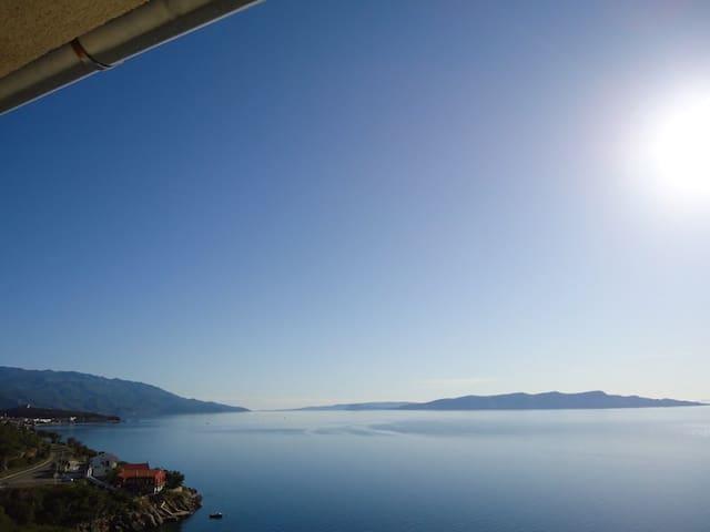 Panoramablick aufs Meer - Senj - Hus