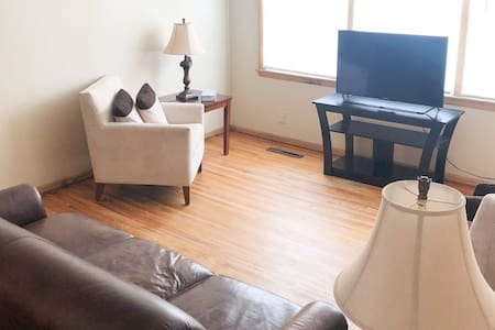 2 bed 1 bath clean and cozy serviced Williston Apt