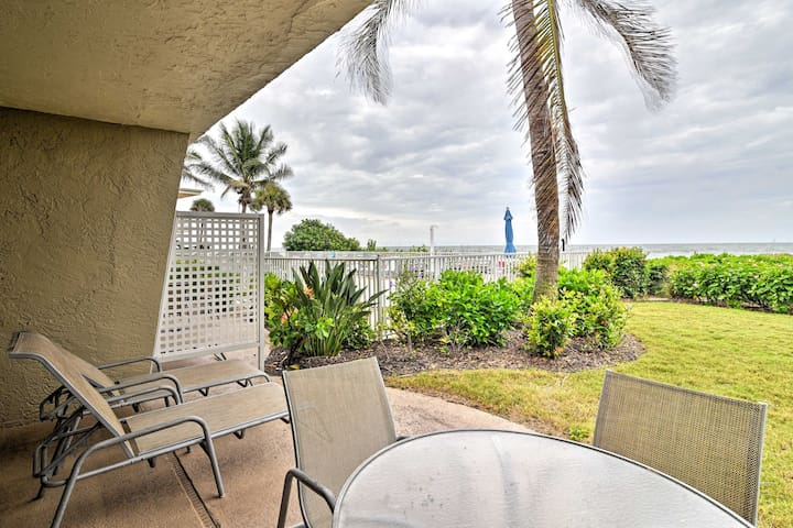 Romantic Longboat Key Studio w/ View & Pool Access
