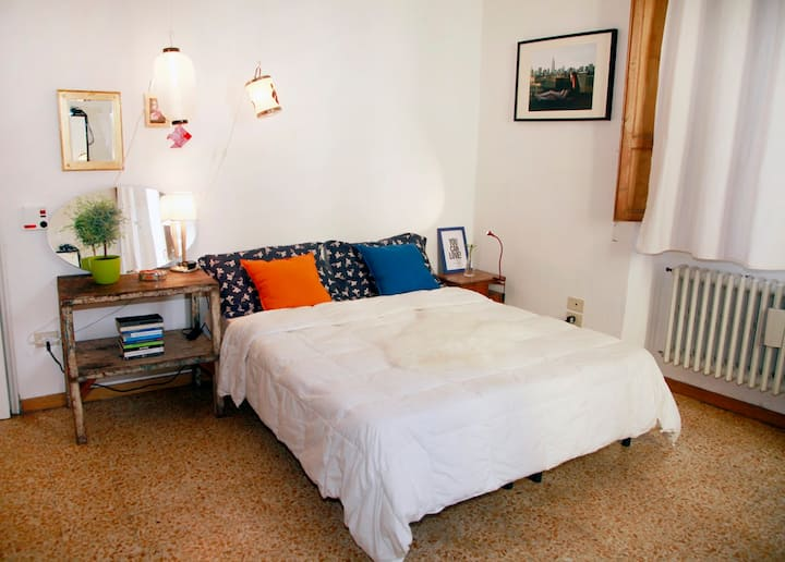 BEAUTIFUL DOUBLE ROOM IN THE OLD CITY