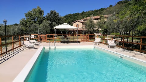 Country House Terre del Farfa with Pool near Rome